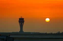 Arrivée plate à l'aéroport de Barcelone (Espagne) Images libres de droits