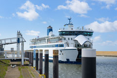 Arrival ferry boat Royalty Free Stock Photos