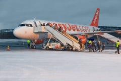 Arrivant à l'aéroport d'Ivalo, la Laponie finlandaise photo stock