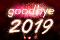 Arrivederci un fuoco d'artificio di 2019 scintille illustrazione vettoriale