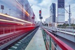 Arrivo del treno ad alta velocità Fotografia Stock