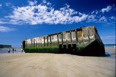 Arromanches préfabriqués de la deuxième guerre mondiale de port de découvertes Photographie stock libre de droits