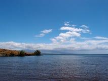 Arrose le rivage de la côte de Kohala sur le grand est Image stock
