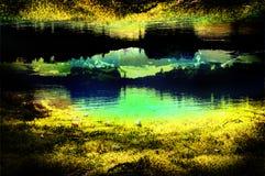 Arrosez la ligne d'arbre de réflexion lac de l'eau d'art de photographie de camping Images stock