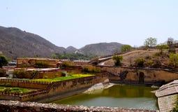 Arrosez le kyari kesar de jardin, Inde de Jaipur Ràjasthàn de fort d'Amer Image stock