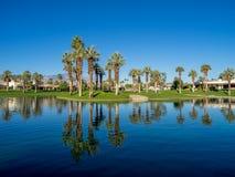 Arrosez les caractéristiques à un terrain de golf aux ressorts de désert de Jw Marriott image stock