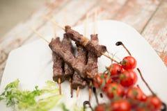 Arrosticini, χαρακτηριστικό κρέας τροφίμων του Abruzzo Στοκ εικόνες με δικαίωμα ελεύθερης χρήσης