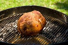 Arrosto del barbecue di Turducken fotografia stock