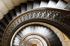 Arrott budynek W centrum Pittsburgh, Pennsylwania - Przyrodni kurendy spirali marmuru schody - Fotografia Royalty Free