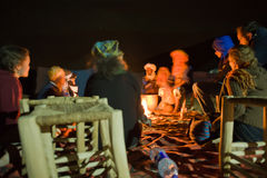Arround η πυρκαγιά Στοκ εικόνα με δικαίωμα ελεύθερης χρήσης