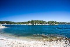 Arrowhead λιμνών ακτή Στοκ Φωτογραφίες