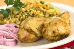 arroz叫的联系人盘秘鲁人pollo 免版税库存图片