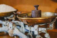 Arroz de grano largo en viejo peso Foto de archivo