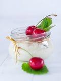 Arroz de la leche con las cerezas Imagen de archivo libre de regalías