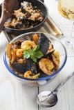 Arroz de marisco portugese paella θερινό πιάτο ρυζιού θαλασσινών αγροτικό Στοκ Φωτογραφία