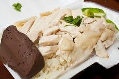 Arroz del pollo de Hainanese en caja de la espuma de poliestireno Fotos de archivo