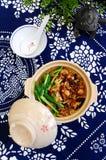 Arroz del pote de arcilla, plato étnico chino fotos de archivo