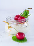 Arroz do leite com cerejas Imagem de Stock Royalty Free