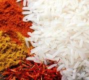Arroz e especiarias indianas Foto de Stock
