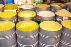 Arroz, espaguete, macarronetes em um mercado em Marrocos Afri Fotos de Stock Royalty Free