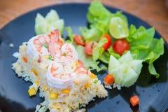 Arroz fritado com camarão imagem de stock royalty free