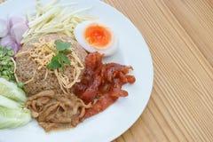 Arroz fritado com pasta do camarão, alimento tailandês do estilo Imagem de Stock