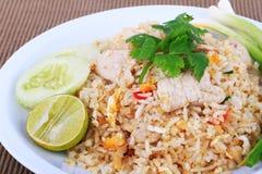 Arroz fritado do estilo tailandês com carne de porco em Banguecoque, Tailândia Imagem de Stock Royalty Free