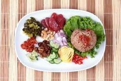 Arroz fritado do jasmim com pasta do camarão, Kao Klok Kapi - tailandês Imagens de Stock