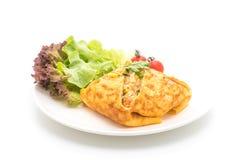 Arroz fritado Flavored em um envolvimento da omeleta foto de stock royalty free