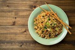 Arroz frito asiático imagen de archivo