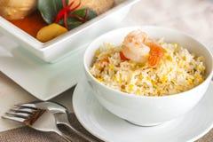 Arroz frito del camarón y carne de vaca o curry del mussaman del pollo Imagen de archivo libre de regalías