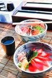 Arroz japonés del alimento con los pescados Imagenes de archivo