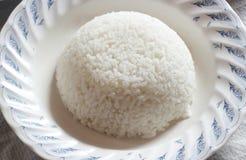 Arroz no prato branco Fotografia de Stock
