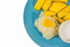 Arroz pegajoso del mango en plato fotografía de archivo