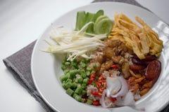 Arroz temperado com receita da pasta do camarão fotografia de stock