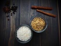 Arroz y arroz en el vidrio Imágenes de archivo libres de regalías