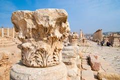 Arruina a cidade de Jerash em Jordânia/arco de Hadrian em Jerash Imagem de Stock