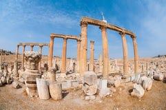 Arruina a cidade de Jerash em Jordânia/arco de Hadrian em Jerash Imagens de Stock Royalty Free