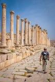 Arruina la ciudad de Jerash en Jordania/el arco de Hadrian en Jerash Fotos de archivo libres de regalías