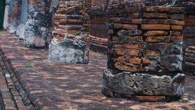 Arruine colunas no templo antigo, Ayuddhaya Tailândia Fotografia de Stock Royalty Free