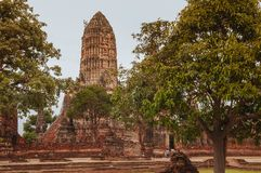 Arruine la pagoda de Wat Chai Watthanaram, Ayutthaya, Tailandia fotografía de archivo