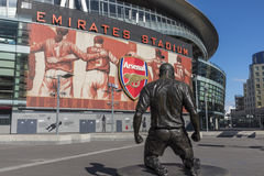 ArsenalEmirates StadiumHenry staty Arkivfoto