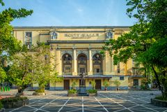 Arsenio H Monumento de Lacson y ayuntamiento Manila imagenes de archivo