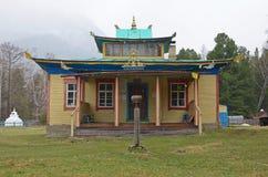 Arshan, Ru-Mai, 02 2014: Hoymorsky datsan Bodhidharma - Kloster des buddhistischen Tempels in Arshan-Dorf in Burjatien Lizenzfreie Stockfotografie