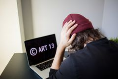 Art?culo 13 la enmienda a los materiales prohibidos legislaci?n de la UE de los medios foto de archivo libre de regalías