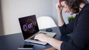 Art?culo 13 la enmienda a los materiales prohibidos legislaci?n de la UE de los medios fotografía de archivo libre de regalías