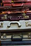 Artículos antiguos, cartera usada, colección de la cartera fotos de archivo libres de regalías