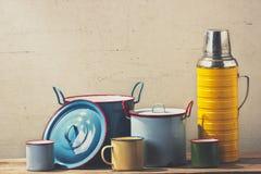 Artículos de cocina retro Imagen de archivo libre de regalías