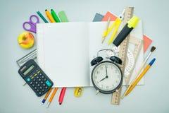 Artículos de la escuela Fotos de archivo libres de regalías