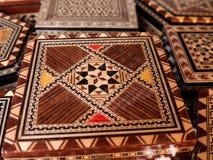 Artículos de madera tradicionales del recuerdo de la chapa en Mijas en España meridional imagen de archivo